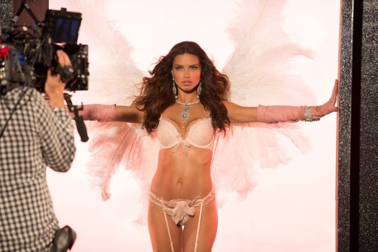 vs-angel-cc-Adriana Lima-11